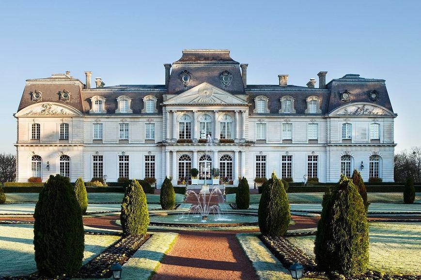 Chateau Artigny Exterior