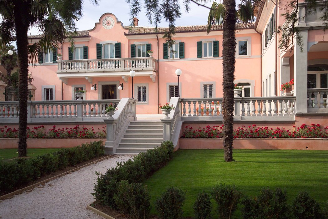 Hotel Villa Zuccari Exterior