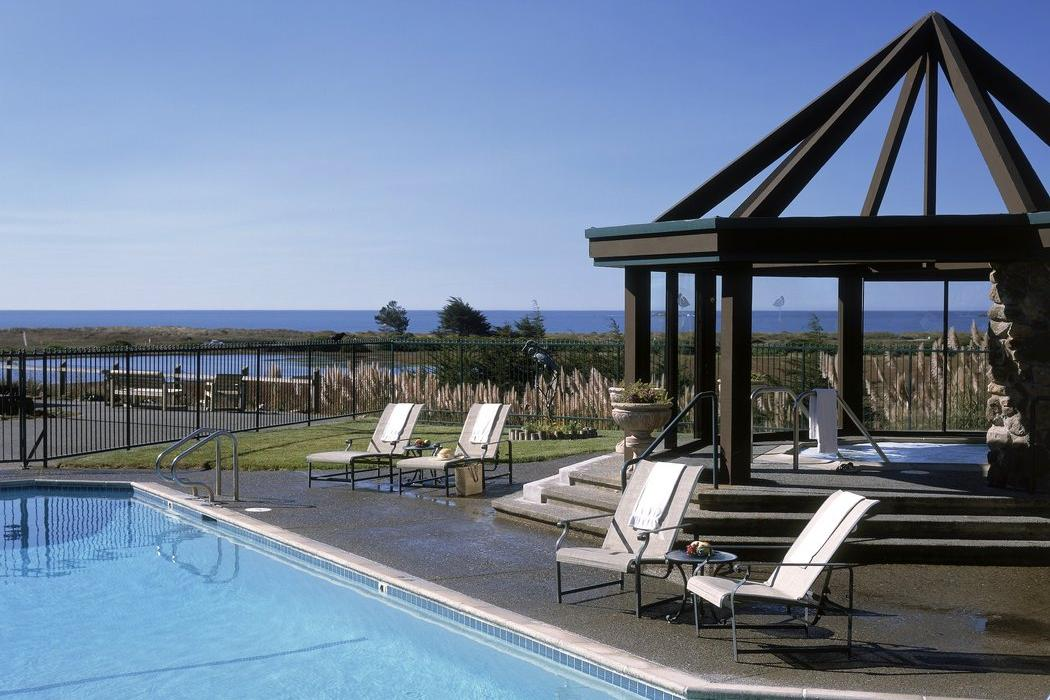 The Bodega Bay Lodge Spa Pool