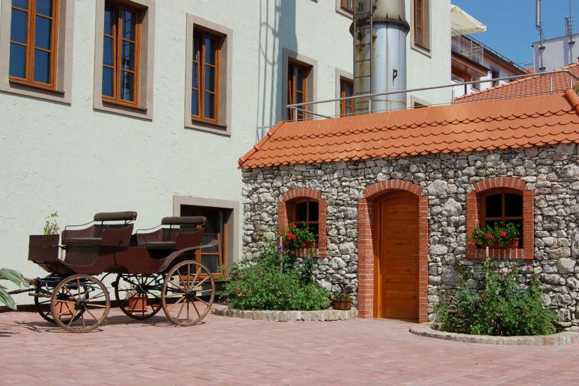 Hotel Galant Courtyard
