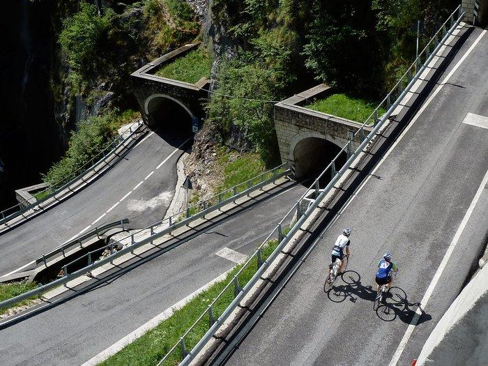 Giro Cycling Tour