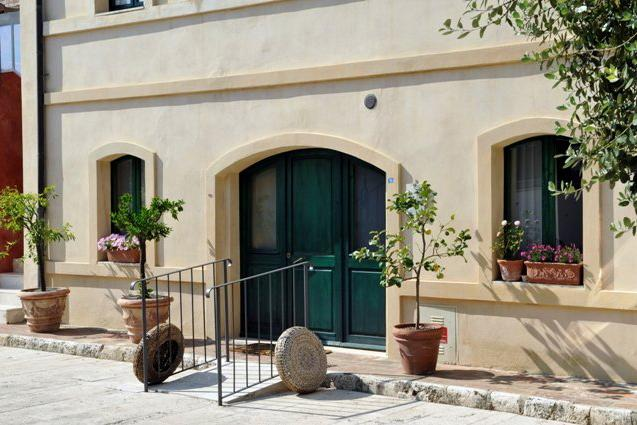 Hotel Siena Borgo Grondaie Entrance