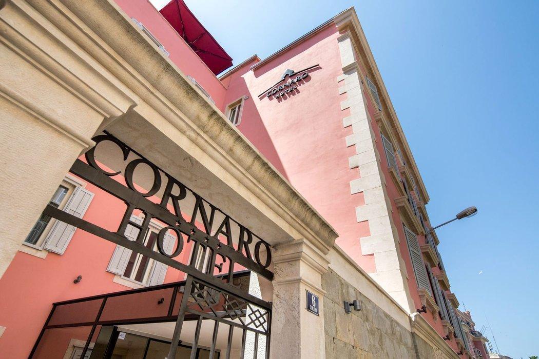 Cornaro Hotel Exterior