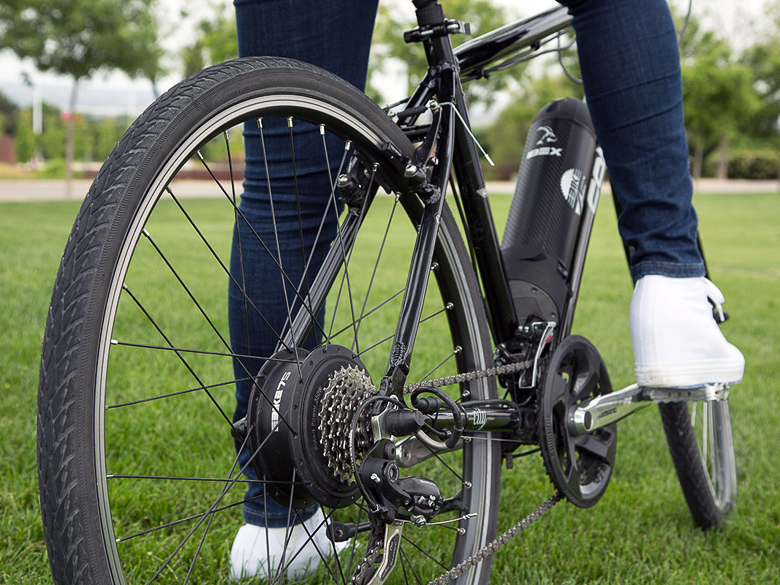 E-Wheel motor concealed in water bottle cage