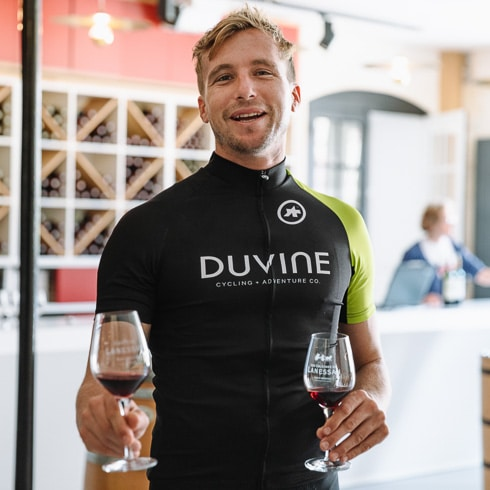 DuVine guide at a wine tasting in Bordeaux